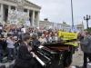 Musik-Flashmob für eine menschliche Flüchtingspolitik in Österreich